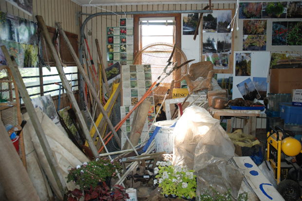 When selling your Boston area home - clear out the clutter